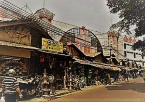 Pasar-Kenari-thumbnail-e1535632359386