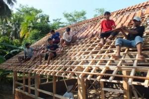 membuat atap